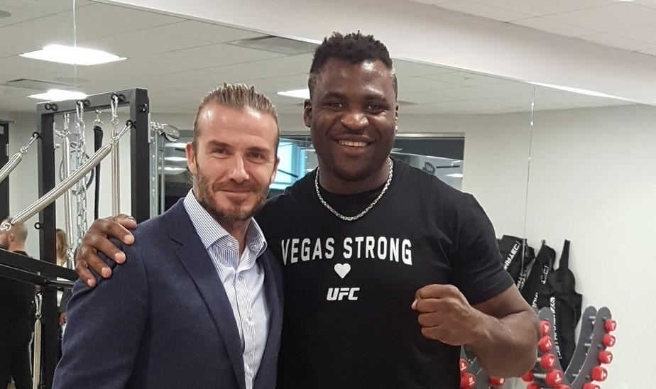 Curtinhas: David Beckham visita sede do UFC e é tietado por Ngannou