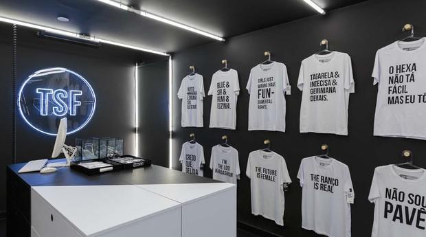 Loja física da T-Shirt Factory, negócio que nasceu no Instagram (Foto: Divulgação)