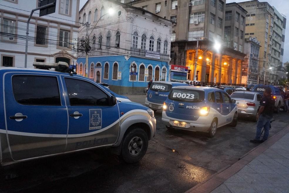 Mandados são cumpridos na manhã desta quinta-feira (17), parte de operação nacional (Foto: Caroline Araújo/ Polícia Civil)