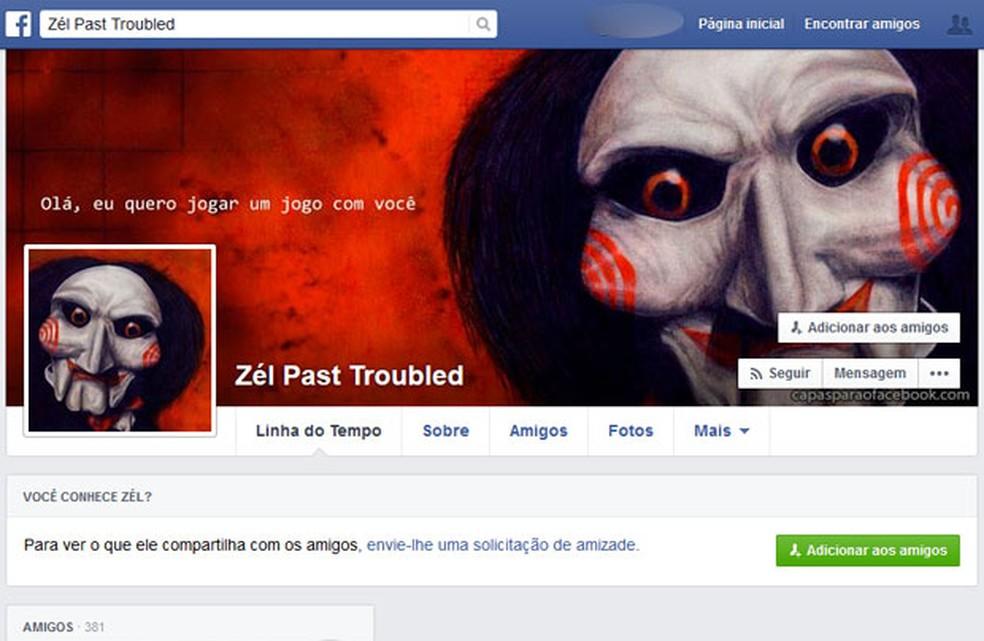 José Santos usava a foto do personagem Jigsaw, da série de filmes 'Jogos Mortais', no Facebook. Foi nessa rede social que ele postou a foto da cabeça da namorada — Foto: Reprodução/Redes sociais