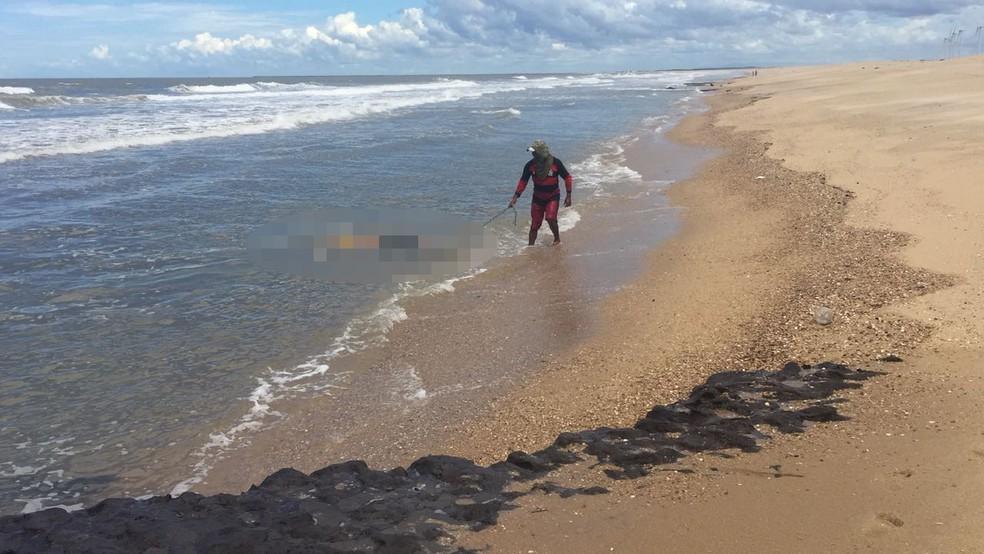 Corpo foi encontrado por pescadores na praia da Pedra do Sal (Foto: Kairo Amaral/Arquivo pessoal)
