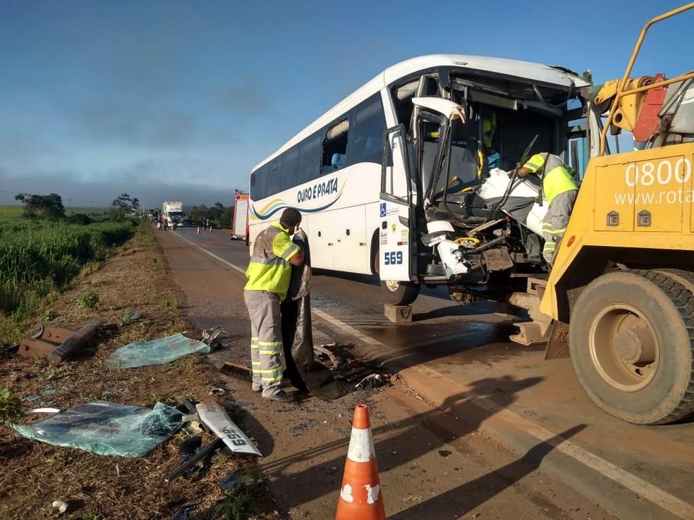 Acidente foi registrado na BR-163, em Sorriso (MT) — Foto:  Igor Fernandes/Centro América FM