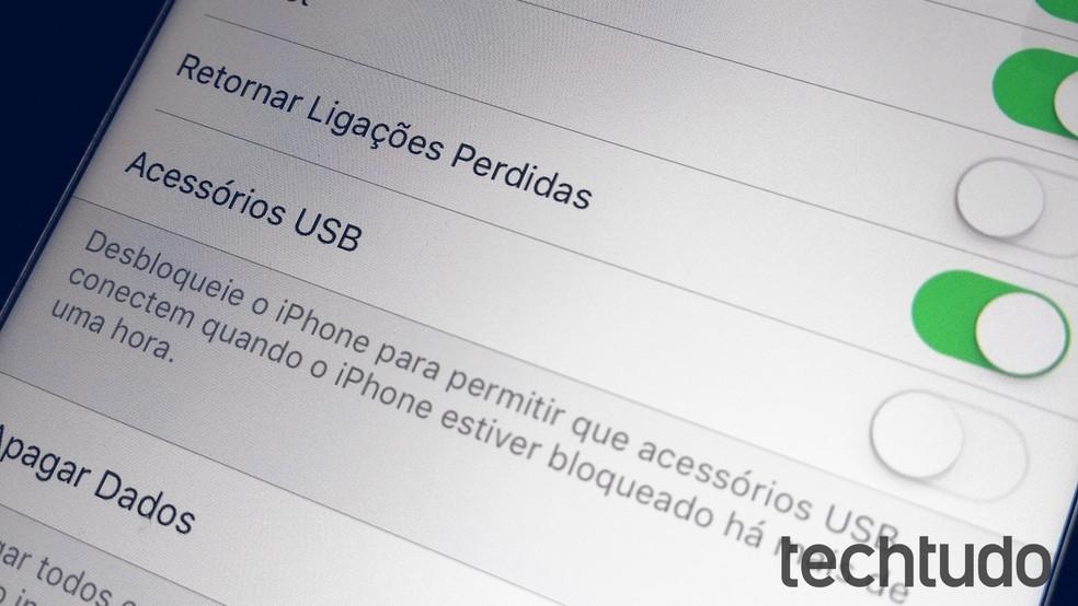 Configurações do iOS permitem desativar o modo de USB restritivo (Foto: Rodrigo Fernandes / TechTudo)