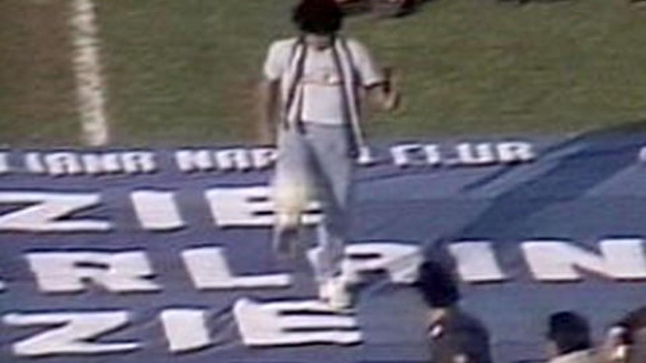 Em 1984, Maradona chega ao Napoli com status de rei