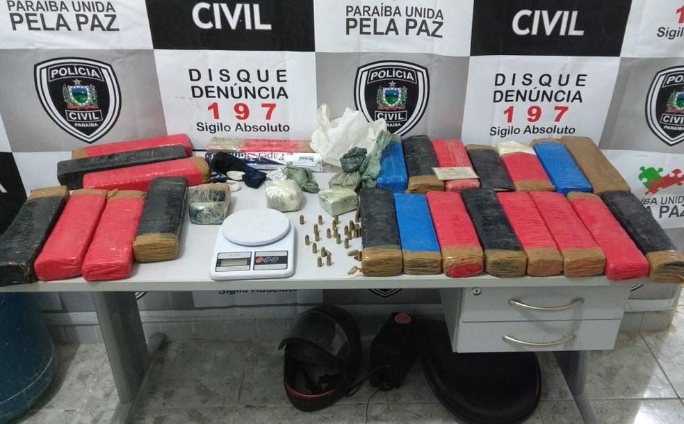 Polícia apreende mais de  40 quilos de maconha em Sousa, no Sertão da Paraíba (Foto: Sylvio Rabello/ Divulgação Polícia Civil)