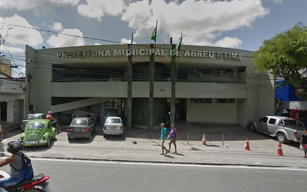 Prefeitura de Abreu e Lima, no Grande Recife, fica no Centro da cidade — Foto: Reprodução/Google Street View