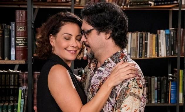 Nana (Fabiula Nascimento) e Mario (Lucio Mauro Filho) (Foto: TV Globo)