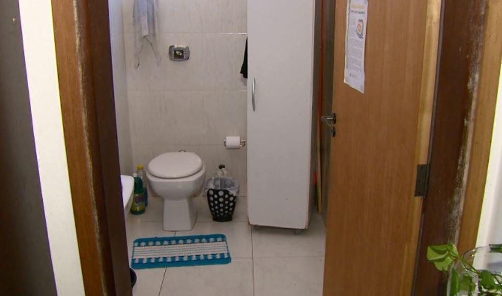 Banheiros dos estabelecimentos comerciais de São João da Boa Vista deverão ser adaptados para portadores de deficiência (Foto: Rodrigo Sargaço/EPTV)