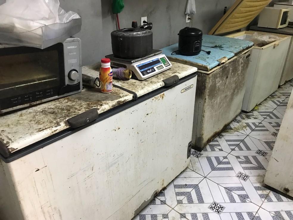 O maquinário estava enferrujado em péssimas condições de uso, apontou a polícia (Foto: Divulgação/Polícia Civil)