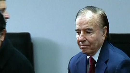 Ex-presidente argentino Menem é condenado a 7 anos de prisão