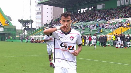 """Com três gols, Lucas Fernandes diz que segue com """"trabalho sujo"""": """"Não mudou nada"""""""