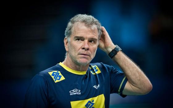 O treinador de vôlei  Bernardinho (Foto:  Guito Moreto / Agência O Globo)