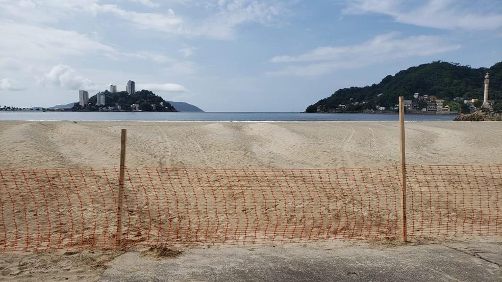 Prefeitura de São Vicente, SP, bloqueou a entrada das praias para impedir o acesso de moradores e turistas — Foto: Divulgação/Prefeitura de São Vicente