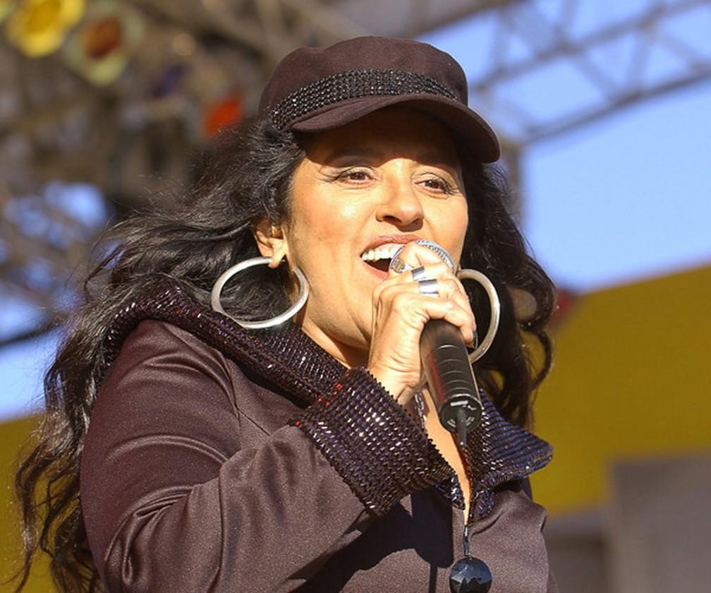 Regina Casé no programa 'Central da periferia', em 2006 — Foto: Divulgação/Memória Globo
