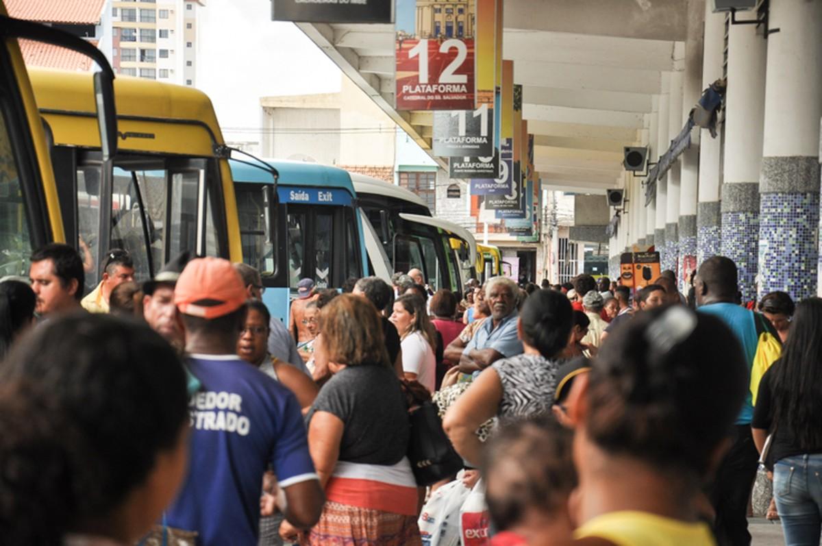 Rodoviárias de Campos, RJ, devem ter cerca de 3 mil embarques no feriado de Finados