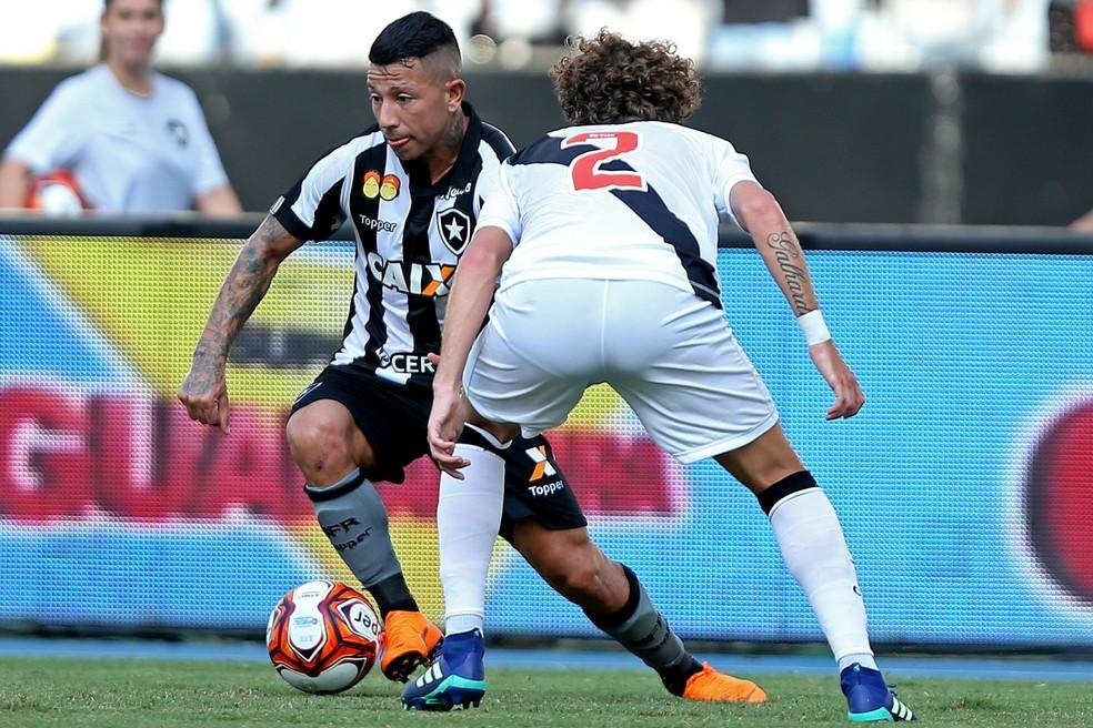 Valencia jogou mal contra o Vasco e, quando substituído, saiu revoltado (Foto: Vitor Silva/SSPress/Botafogo)