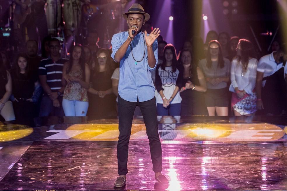 Jota.Pê soltou a voz em 'Partido Alto', de Chico Buarque (Foto: Fábio Rocha/Gshow)