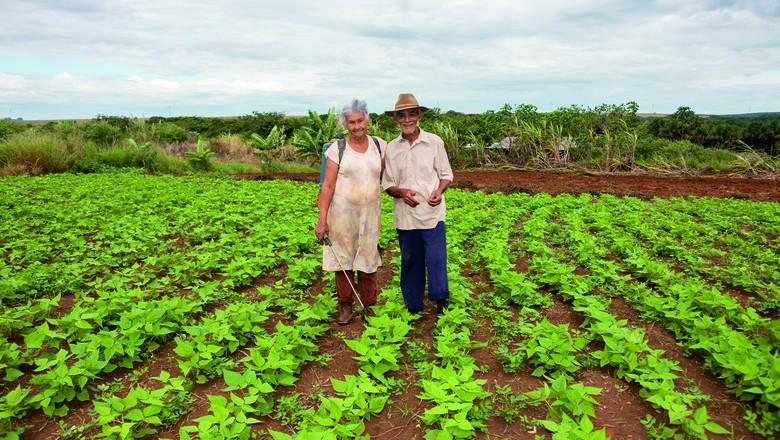 O casal Alvino e Liberalina Ferreira, da Comunidade Renascer, em Jaciara (MT) (Foto: Rogério Florentino/Ed. Globo)