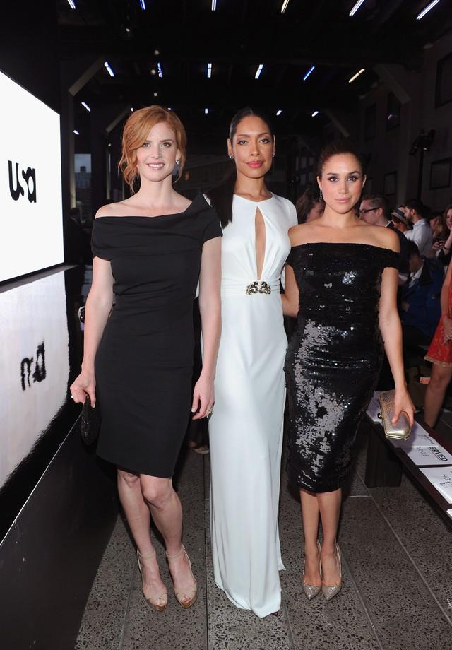 Meghan Markle, Gina Torres e Sarah Rafferty  (Foto: Reprodução/Getty Images)