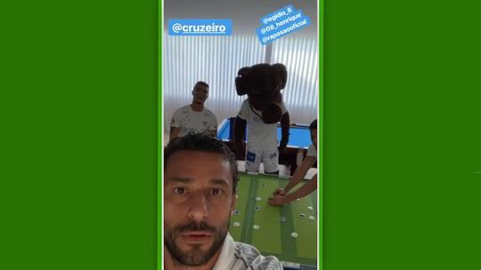 Postagem de Fred divulga camisa branca do Cruzeiro para a temporada 2019