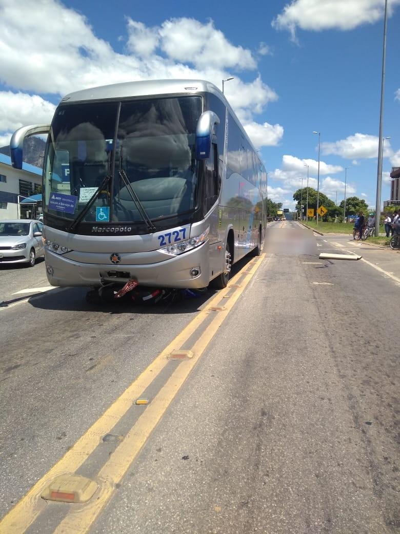 Motociclista morre após colidir contra ônibus na BR-116, em Governador Valadares - Noticias