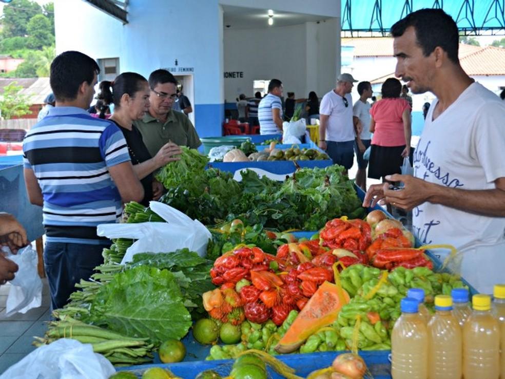 Para os agricultores, a maior dificuldade para a produção familiar é a questão da falta de acesso das propriedades rurais até a cidade — Foto: Tácita Muniz/G1