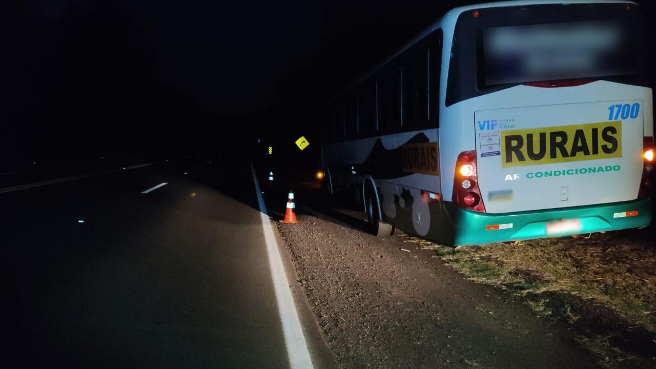 Homem embriagado é atropelado por ônibus na SP-294, em Junqueirópolis
