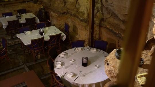 Cientista monta restaurante dentro de caverna pré-histórica na Jordânia