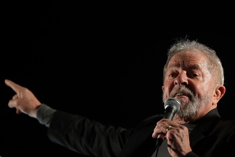 Verdadeiros, porém 'ideologicamente falsos', entenda — Recibos de Lula