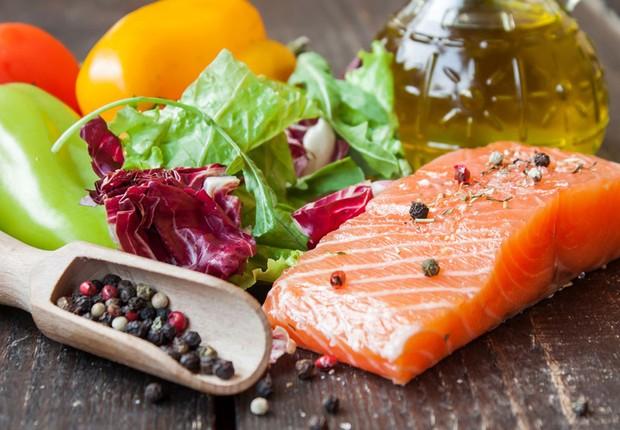 Alimentação saudável ; dieta ; dieta mediterrânea ; salmão ; alimentos saudáveis ;  (Foto: Reprodução/Facebook)