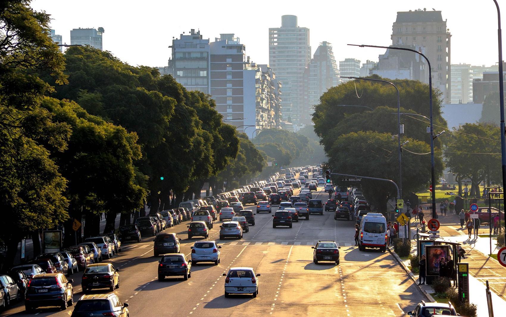 Motoristas argentinos terão de fazer curso sobre igualdade de gênero para ter habilitação