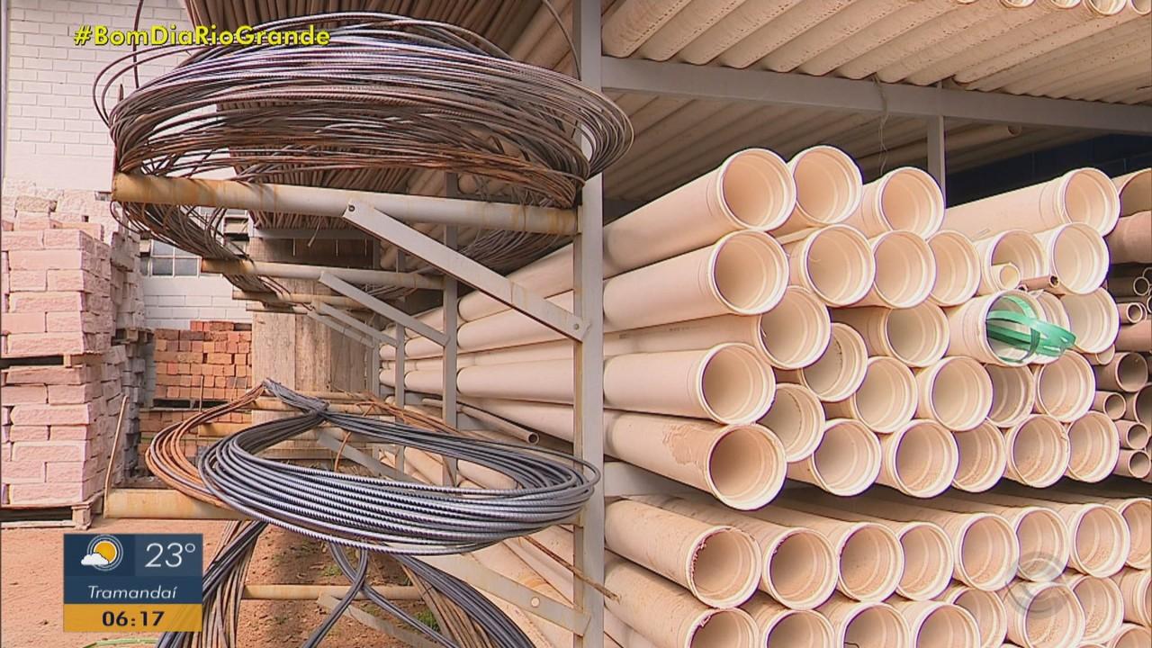 Materiais de construção estão em falta e com preços altos no RS