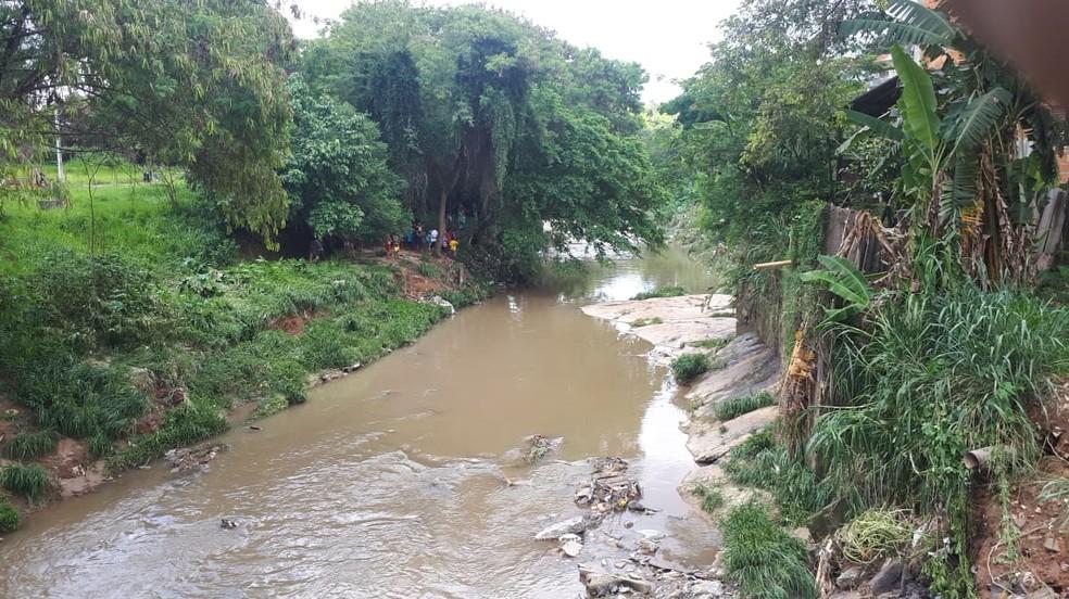 O corpo de Anna Luisa foi encontrado em um córrego perto da Rua Gaivotas, Região Norte de BH. — Foto: Corpo de Bombeiros/Divulgação