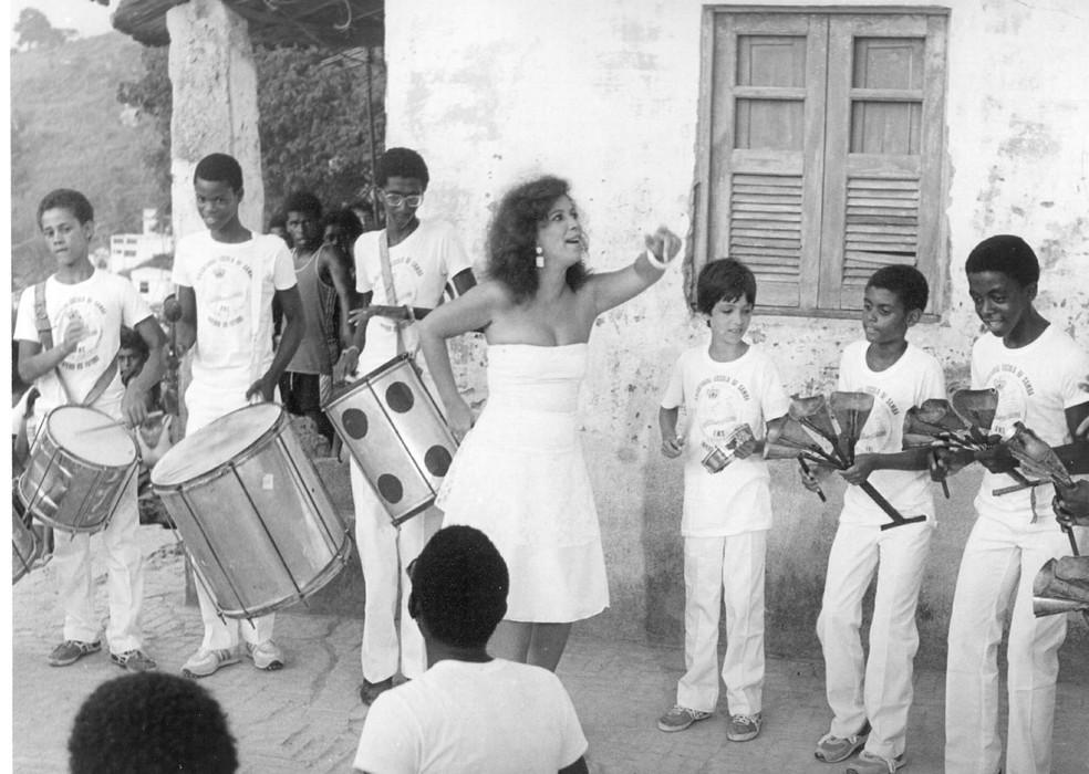 Beth Carvalho em 'Tem Criança no Samba', de 1984 — Foto: Acervo TV Globo