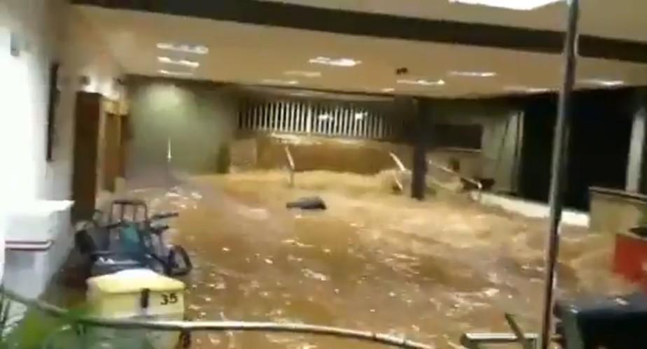 Chuva alaga sede social do São Paulo, que será interditada por tempo ainda indeterminado
