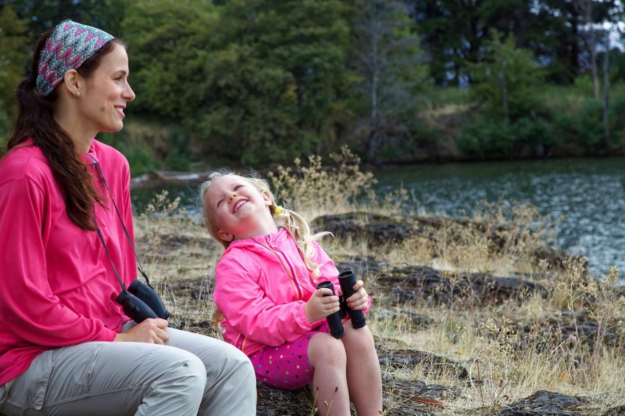 Mães teriam preferência por filha e os pais, por meninos (Foto: Pxhere)