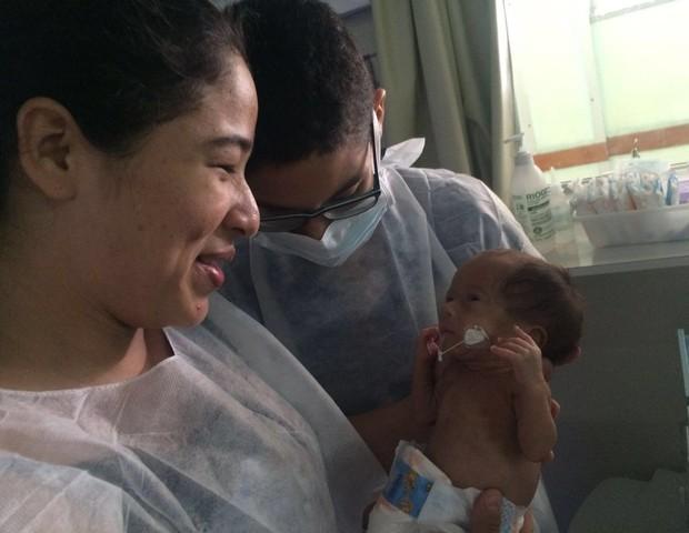 Kauê conheceu o irmão Salomão ainda na UTI neonatal (Foto: Comunicação Social da MEAC)