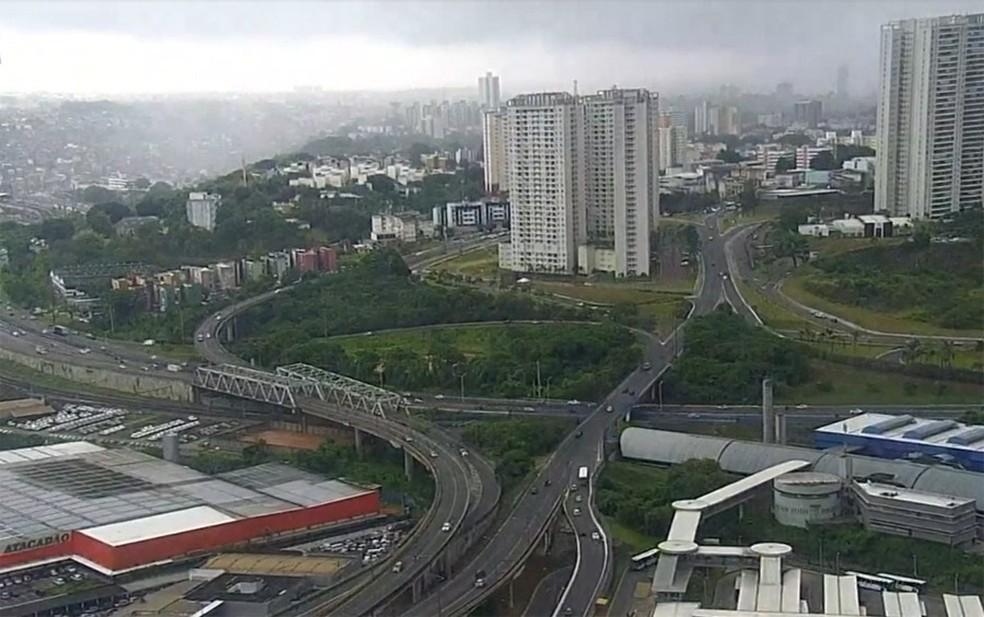 Acesso Norte – Salvador tem chuva forte e pontos de alagamento — Foto: Reprodução/TV Bahia