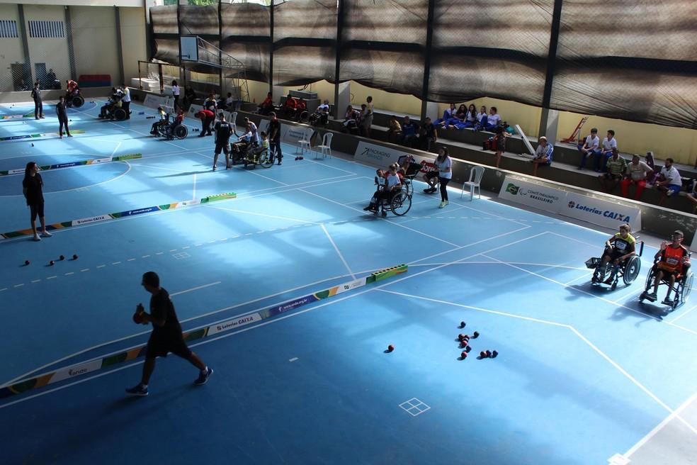Regional de Bocha Paralímpica é disputado no Colégio Nossa Senhora das Neves (Foto: Kelvin Oliveira/Ideia Comunicação)