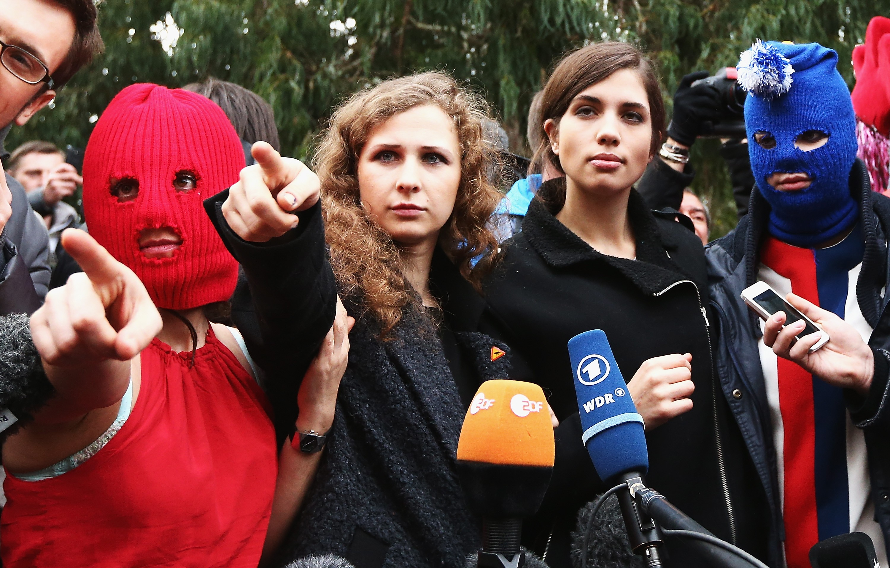 As ativistas e artistas do grupo Pussy Riot (Foto: Getty Images)