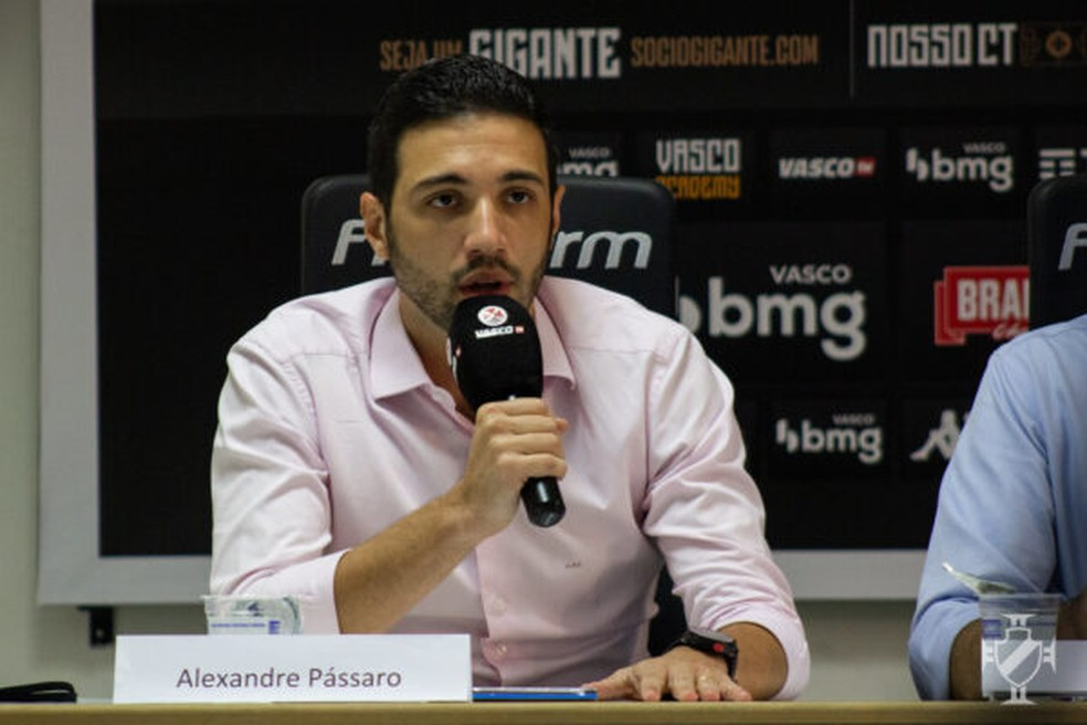 Alexandre Pássaro busca novo técnico para o Vasco — Foto:  João Pedro Isidro/Vasco