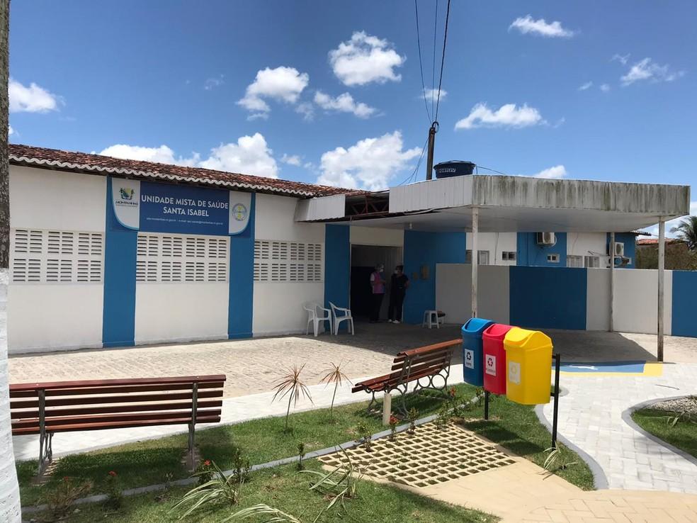 Adolescente esfaqueado foi socorrido a hospital de Montanhas, no Agreste potiguar, mas não resistiu — Foto: Ayrton Freire/Inter TV Cabugi