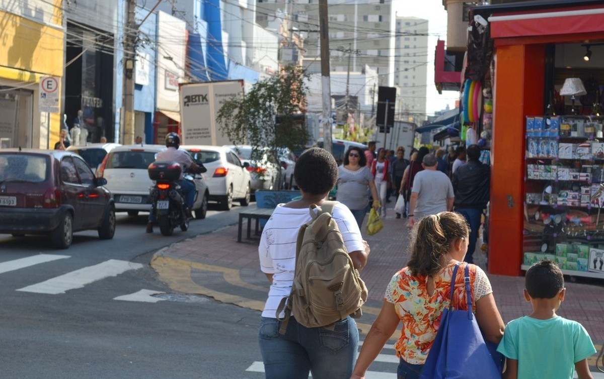 Comércio abre na Proclamação da República em Piracicaba; veja funcionamento dos serviços - G1
