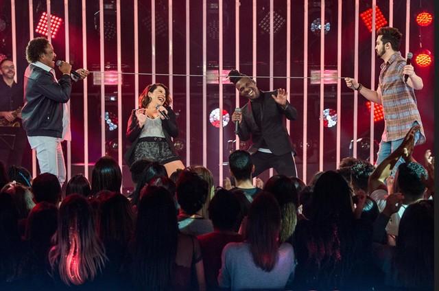 Compadre Washington e Beto Jamaica, do É o Tchan, com Fernanda Souza e Luan Santana no 'SóTocaTop'  (Foto: TV Globo)