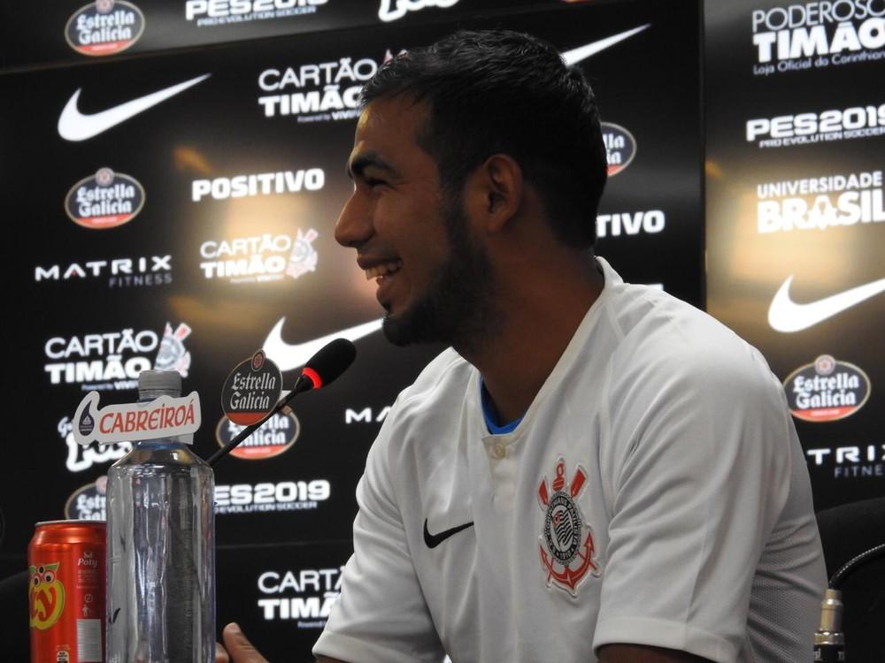 Sornoza projeta títulos no Corinthians e diz estar no maior clube do ... 534c750372dfc