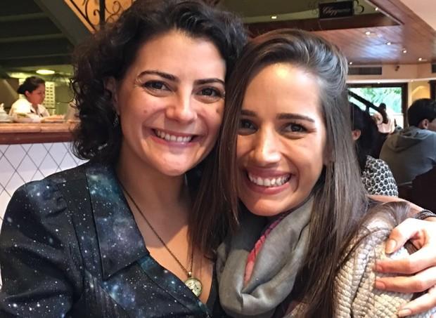 Milene, mãe de Eleonora, e a amiga Cíntia, que a acolheu em um momento complicado emocionalmente (Foto: Arquivo pessoal)