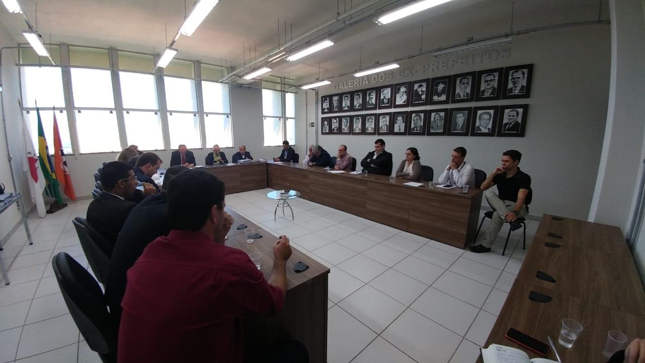 Contrato de nova administração do Aeroporto Brigadeiro Cabral em Divinópolis é barrado pela Controladoria Geral do Município