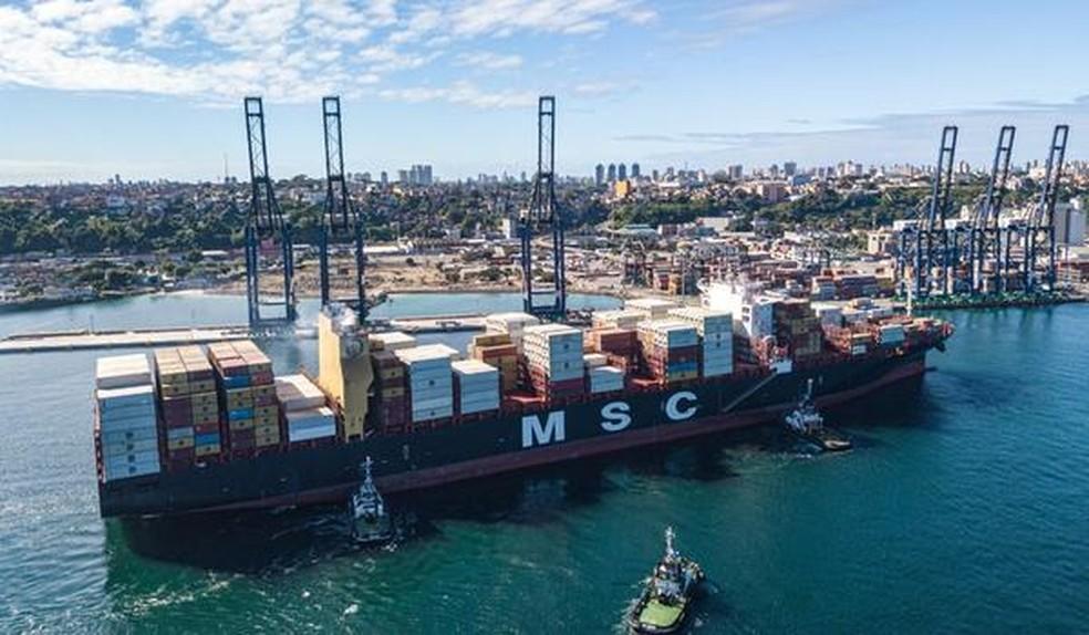 Maior navio porta-contêiner do Brasil atraca em Salvador — Foto: Divulgação