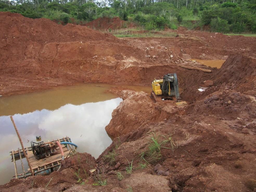 Extração ilegal de diamantes na Terra Indígena Cinta Larga em Rondônia  — Foto: PF/Divulgação