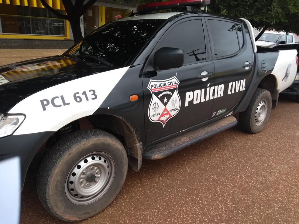 Polícia Civil fez perícia no local para tentar identificar os suspeitos (Foto: Toni Francis/G1)